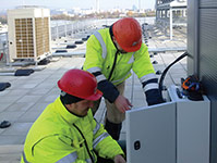 Electronic leak detection system proactively protects data centre roofs